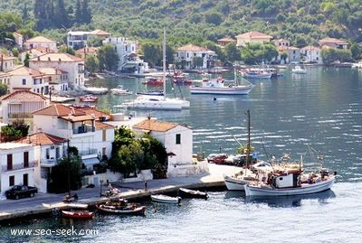 Port Ayia Kiriaki (Skala Trikeri) (