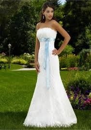 Country wedding dress- I don't usually pin this kinda stuff but this is simple yet gorgeous