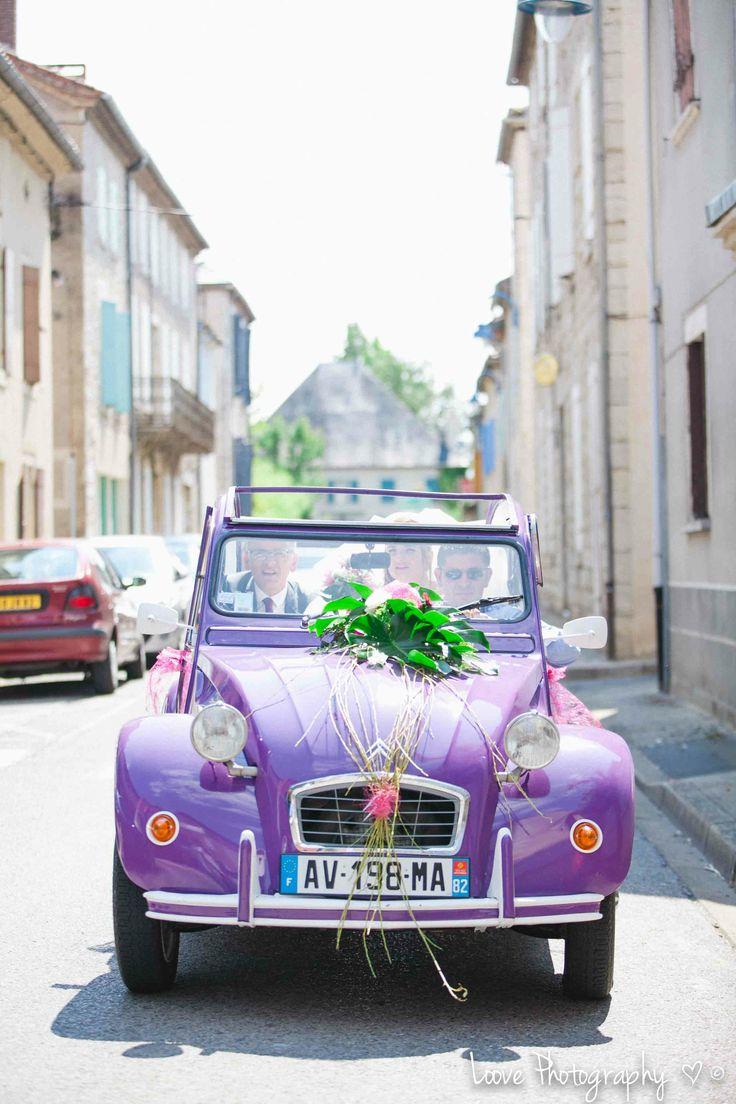 violet 2cv - old vintage car