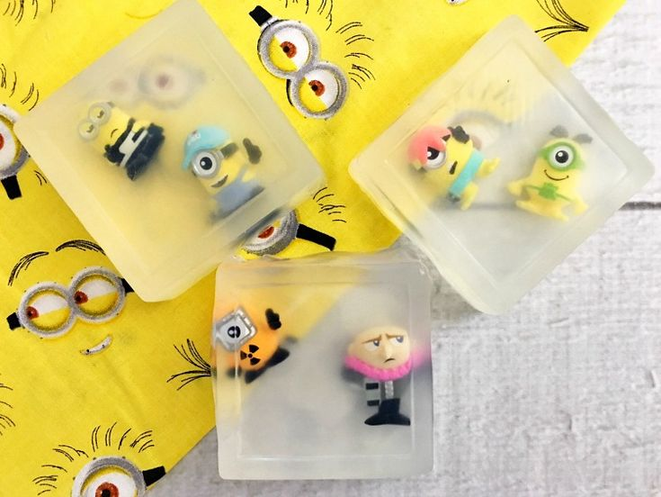 Are your kids Despicable Me and Minions fans? They are going to absolutely love this adorable DIY Minions Soap. They are easy to make and fun for the kids!