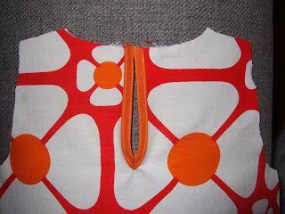 GEKKO: Sprund och kantband i A-klänning