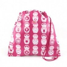 This cute bag is ideal for day trips, kindy, the library, swimming and so much more!  Made from durable cotton with a water repellant lining - which also makes it great to use as a Swimming Bag! It features a double draw string closure, which gives your little one the option of carrying the bag on their back, like a backpack! Easy to wipe clean with a damp cloth and BPA Free!   Measures: 40cm H x 40cm W
