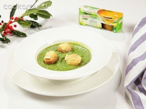 Crema di broccoli con crostini al brie | Cookaround