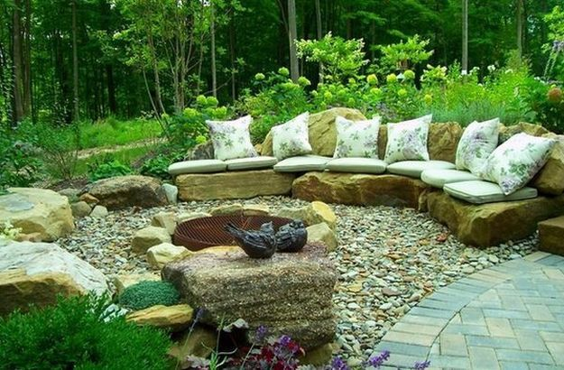 Looking for a garden design with lots of rock involved? Design your own rock garden with these 10 rock garden ideas to create a different atmosphere.