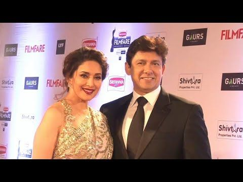 Madhuri Dixit with husband Dr. Nene at Filmfare Awards 2016.