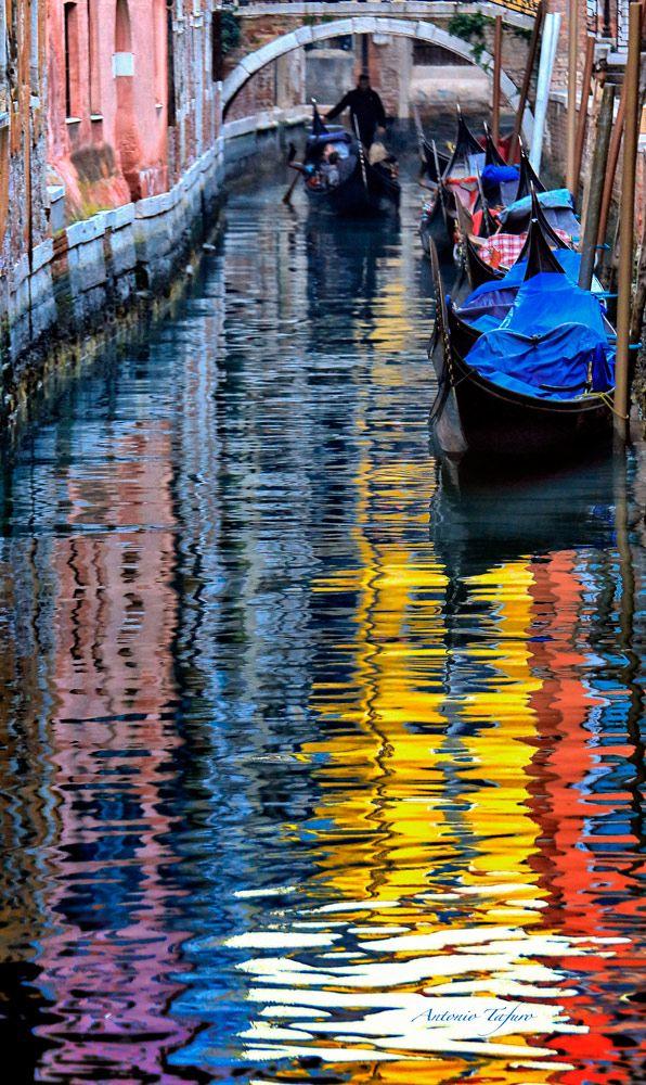 Pennellate Veneziane / Tafuro Antonio - Venice, Italy