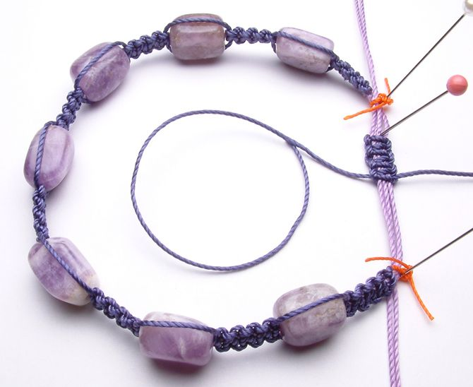 Easy macrame bracelet tutorial for newbies.  #Beading #Jewelry #Tutorial