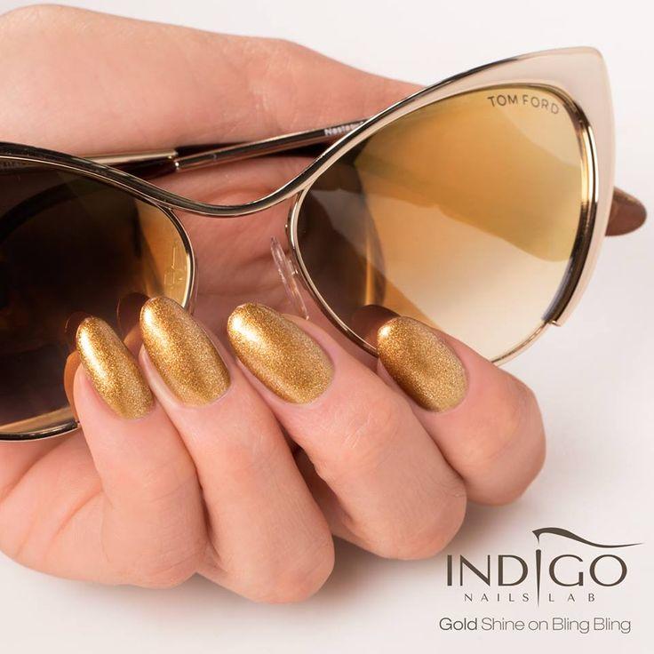 Gold inspiration from Paulina Walaszczyk Indigo Educator Łódź / Złote inspiracje od Pauliny Walaszczyk Indigo Educator Łódź :) Więcej naszych produktów znajdziesz na www.indigo-nails.com #nailart #nails #indigo #gold #glitter #bling