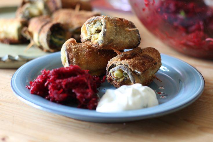 Lilkovo-cuketové rolky - recept na veggiestime.cz #vegetarian #cukety #lilek #závitky #recepty