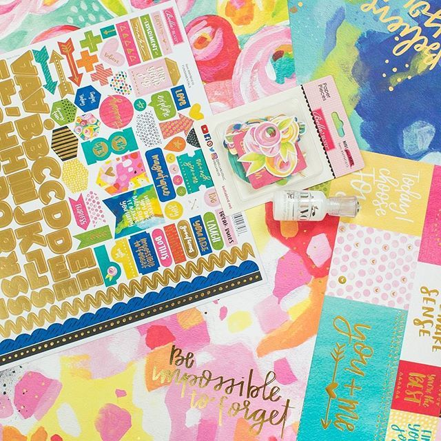 Amazing gold foiled #bellablvd #makeyourmark collection 😍 from @pinkandpapershop 📦They have fast shipping all over Europe🔝 #pinkandpapershop @tonicstudiosusa #nuvodrops #scrapbooking #scrapbook #scrapbookhaul #papercraft #goldfoil #cardmaking #bb_makeyourmarkcollection #scraphun