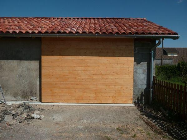 Best 25 porte garage bois ideas on pinterest porte jardin porte garage and portes de garage r u - Porte garage isolee ...