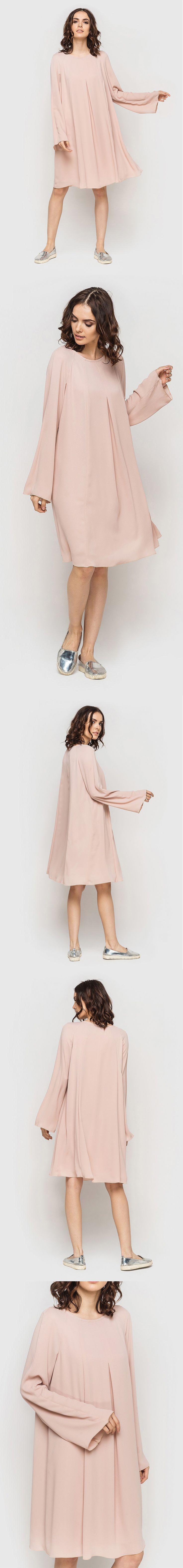 Платье мини рукава клеш креп-шифон пудровое 890 грн. Нежность и женственность, которыми наполнена данная модель платья мини, способна превратить Вас в истинную леди. В первую очередь это достигается за счет нежного пудрового цвета, подчеркивающего Вашу романтичную натуру. Свободный крой платья, и длина мини отлично сочетаются, добавляя look'у легкости, а Вам уверенности, ведь ничто не будет сковывать движений. #VOVK