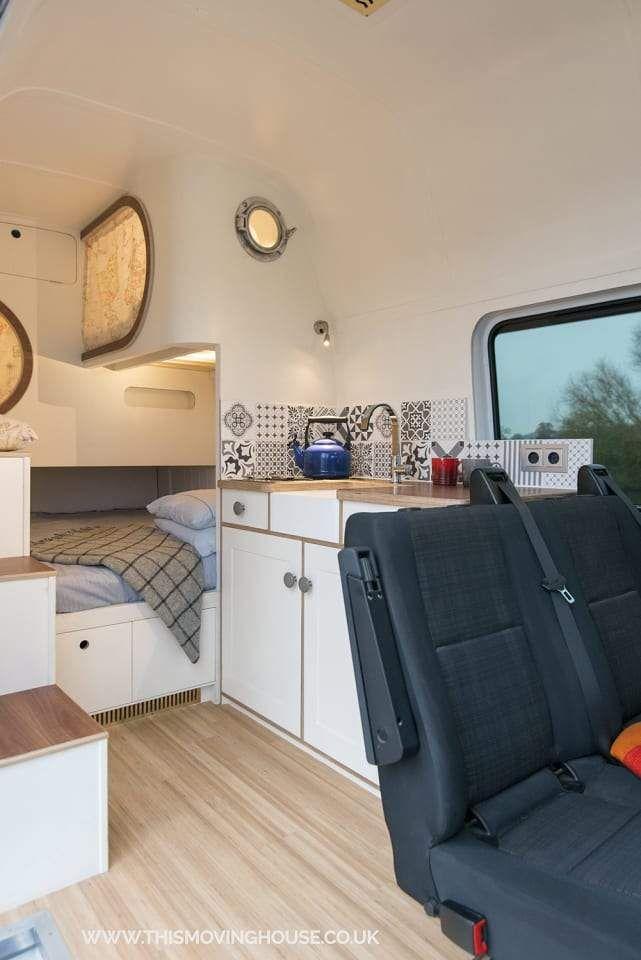 Ausgebautes Wohnmobil Mit 4 Schlafplatzen Und Kojen Wohnmobil Mieten Umgebaute Wohnmobile Wohnmobil