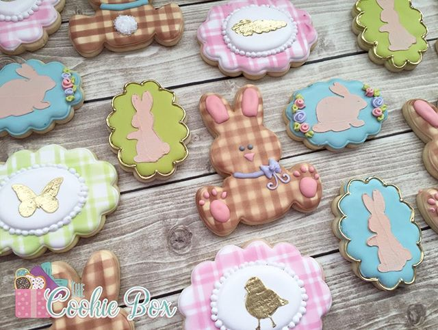 We interrupt your flood of Valentine's Day cookies to bring you Easter!  this is what happens when you have time off..you start preparing for the next holiday! All cutters used in this set are available in the shop & all of the wonderful stencils are by @cookie_countess! #3dprinting #customcookiecutters #bringonspring #eastercookies