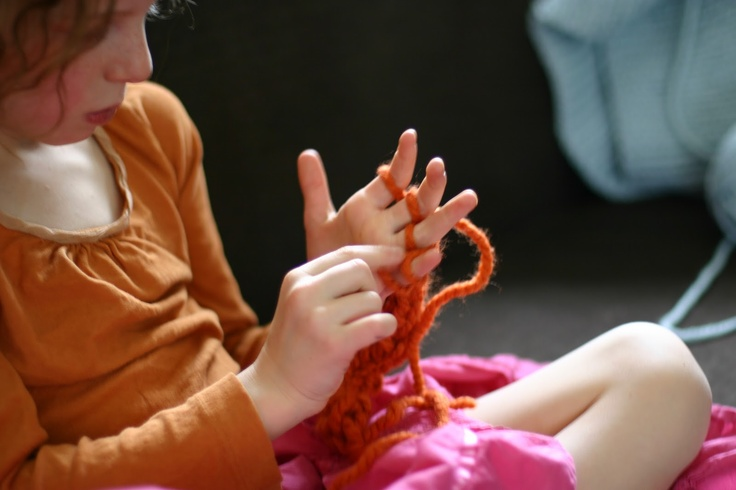 flax & twine   Finger Knitting How-to