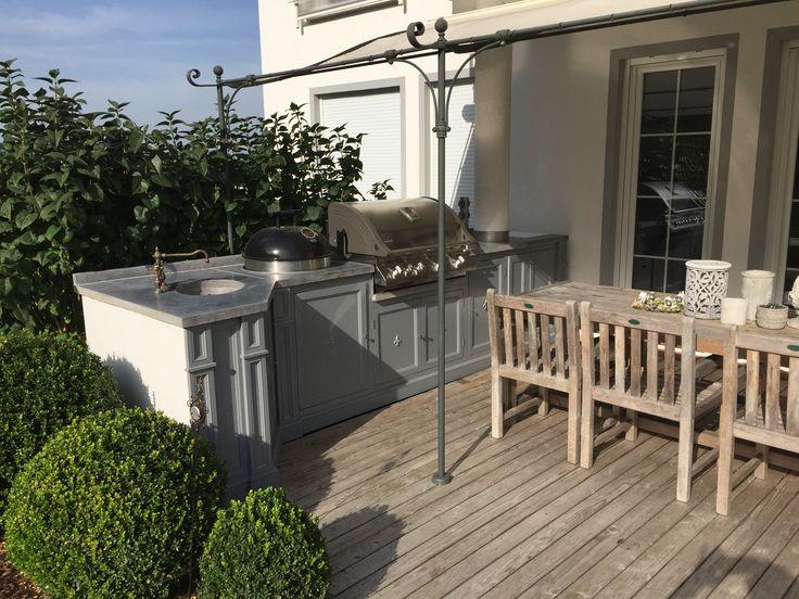 outdoor k che mit gasgrill und kugelgrill einrichtung pinterest outdoor k che kugelgrill. Black Bedroom Furniture Sets. Home Design Ideas