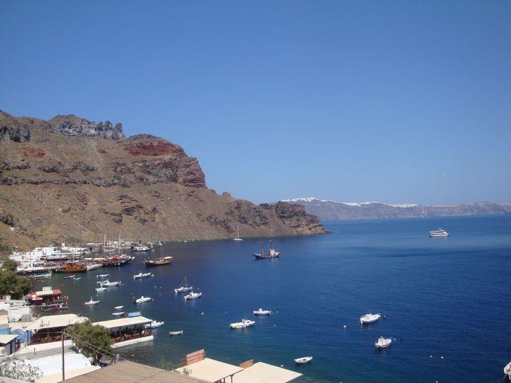 Picturesque harbor of Therasia Island (Θηρασία), Santorini https://arturania.com/santorini