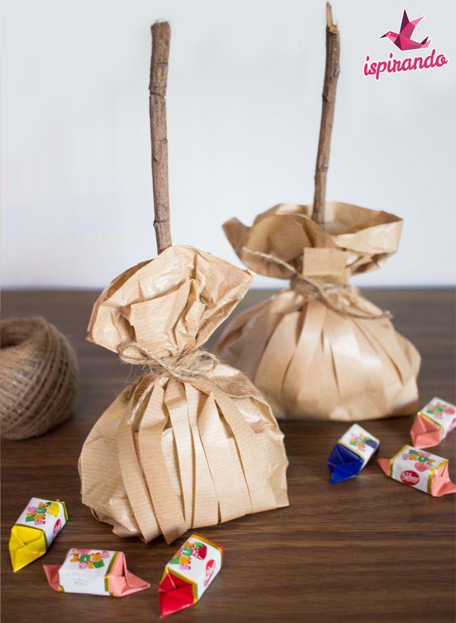 Una simpatica idea da creare in occasione della festa dell'Epifania; scopriamo come creare una scopa della Befana portadolci con il riciclo creativo!