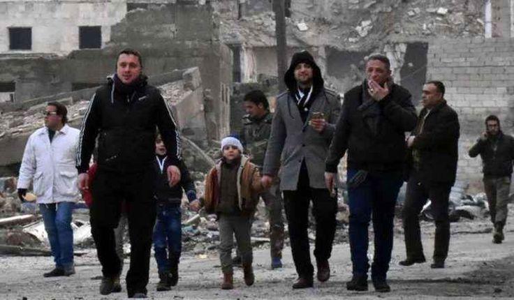 I militari di Mosca entrano ad aleppo, la battaglia è finita La partenza degli ultimi pullman verdi con i ribelli e i civili portati verso il confine turco, e l'arrivo in città di 400 uomini della polizia militare russa, segnano la fine della battaglia di Alep