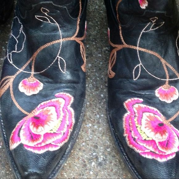 REDUCED! Old Gringos © Cowboy Boots for Ladies lovely, comfy, savvy boots which are works of ART 10.5' tall old gringo boot co Shoes