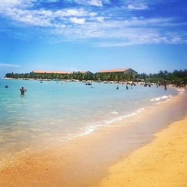 The beautiful beach in pasikudah