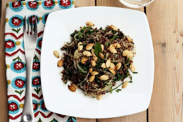 Red Quinoa with Spaghetti Squash, Spinach, Fresh Herbs and Toasted Pumpkin Seeds by Tasty Yummies, via Flickr