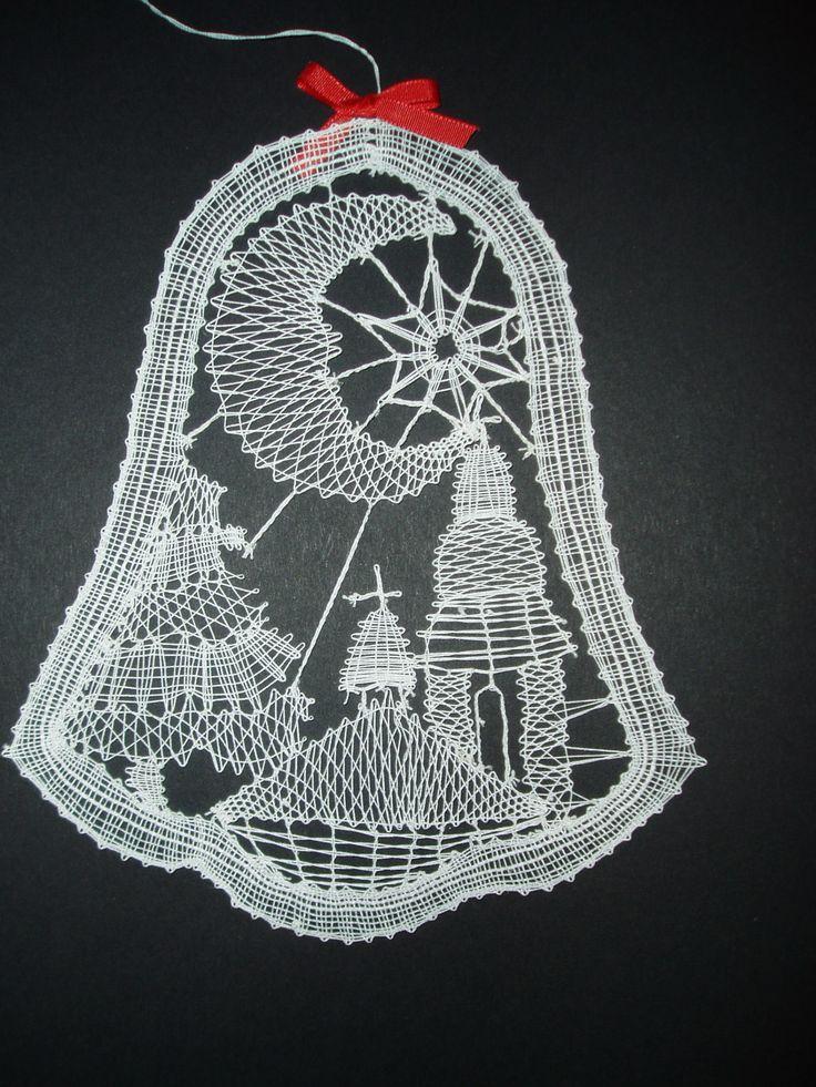 Zvoneček Zvoneček nejen do okna v barvě bílé velikost 18 x 12 cm