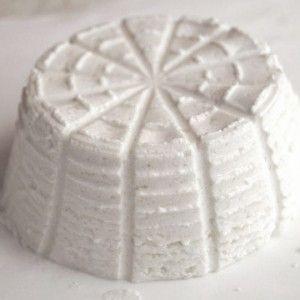 Ricotta Romana PDO #Cheese #ItalianFood #ItalianCheese #Lazio #Italy http://www.formaggio.it/formaggio/ricotta-romana-d-o-p/
