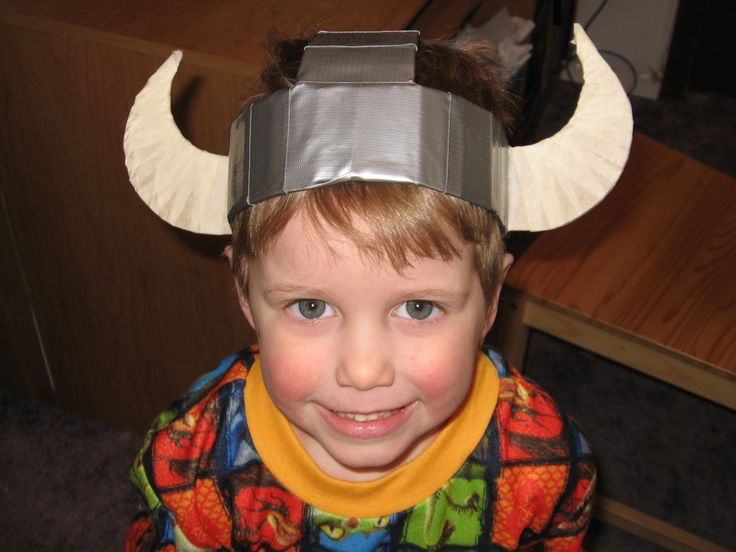 "Bug, Boo, and Bean: ""Dragon"" Party Armour Part 1: Viking Hats"