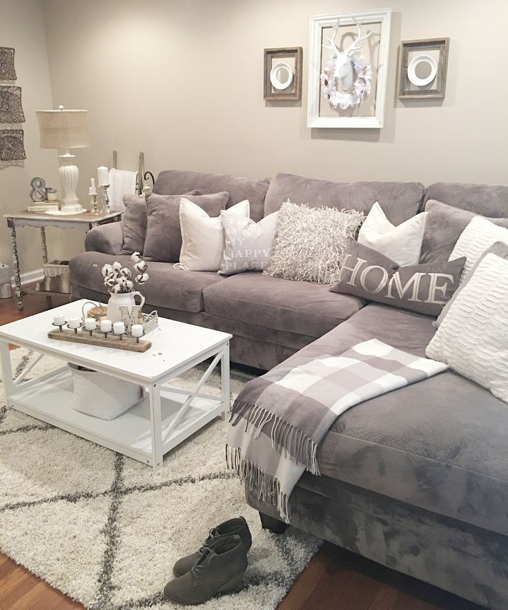 Living Room Inspirations: A Pile of Pillows Helps The Medicine Go Down | www.liv…