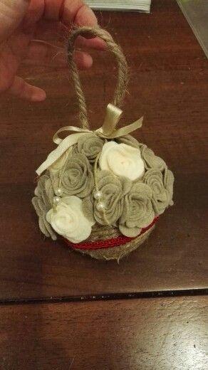 Palla di Natale con rose