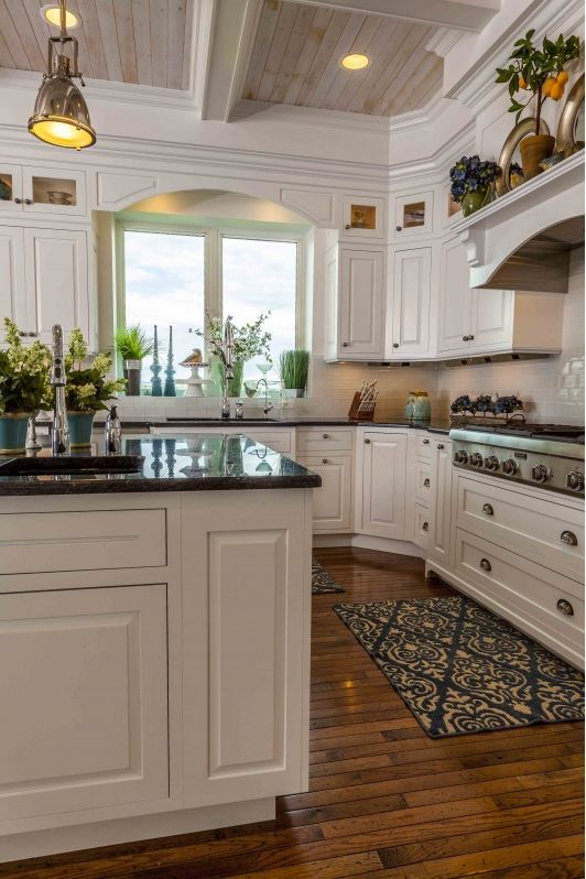 Elegant Cardinal Flooring and Cabinets