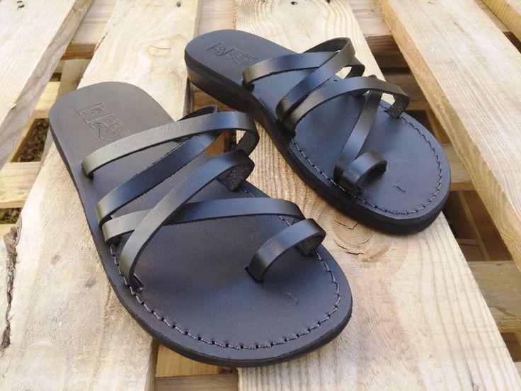 VENTA! Nuevas sandalias de cuero con tirantes. Zapatos para Mujeres y Hombres Chancletas Cintas Pisos Calzado de Diseñador Bíblico de Jesús  de Sandalimshop en Etsy https://www.etsy.com/mx/listing/275259096/venta-nuevas-sandalias-de-cuero-con