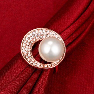 Luxury Rose Gold Circle Rhinestone Pearl Women Wedding Ring at Banggood