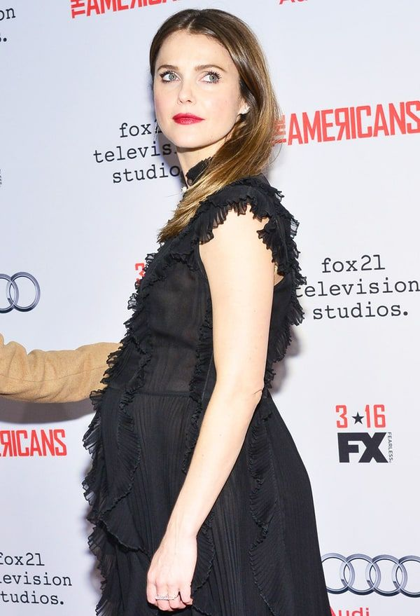 Pregnant Keri Russell Stuns at 'The Americans' Premiere - Us Weekly