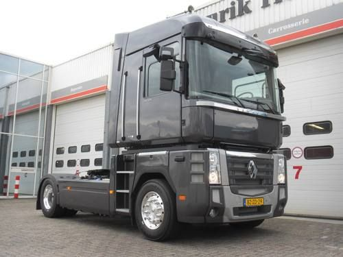 17 best images about camions on pinterest peugeot tow for Garage ford montelimar