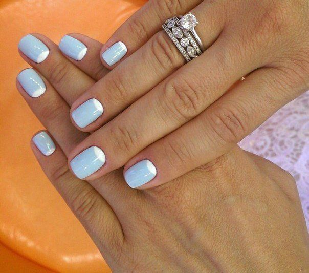 A moon manicure can be considered a modern classic. It remains in fashion for many seasons. If you like this trend, but you do not like the standard colours, try a little to experiment. A delicate sky blue paint will be an excellent basis for the design and nail bed can be arranged with the help of …