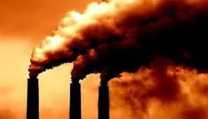Dit ia een afbeelding van de grote vervuiling wat fabrieken geven. De zwarte rook die schadelijk is voor de mensheid en de werld waar op de ozonlaag stuk gaat en de aarde opwarmt.