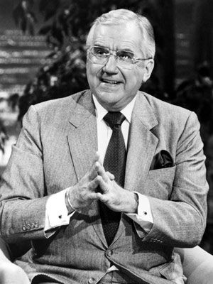 Game-show host/announcer/spokesman Ed McMahon was born today 3-6 in 1923. He first worked with Johnny Carson on the daytime game show Who Do You Trust? (1957-62) and in Oct of 1962 he launched with Johnny on the Tonight Show. He hosted Star Search in the 80s-mid 90s. Ed passed in 2009.