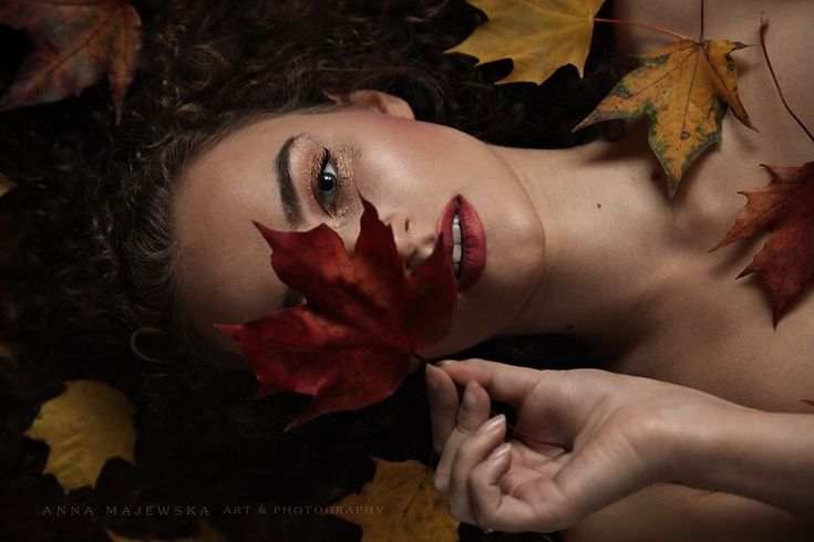 #photo #portrait #photoshoot #photographer #hair #blonde #gold #glam #beauty #makeup #yellow #makeuplover #lips #makepartist #sparkle #black #brown #leaves #red