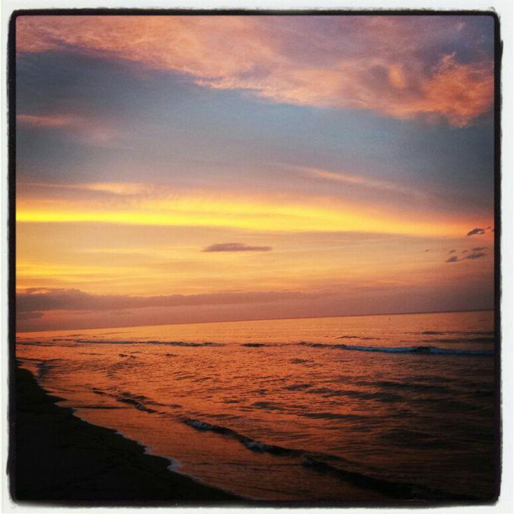 #Tramonto #pineto #abruzzo #italy #mare #costaadriatica #interntionalcamping #pineto #abruzzo #italy #spiaggia #beach #sea #mare #sabbia #estate #divertimento #allegria #sole #sun #summer