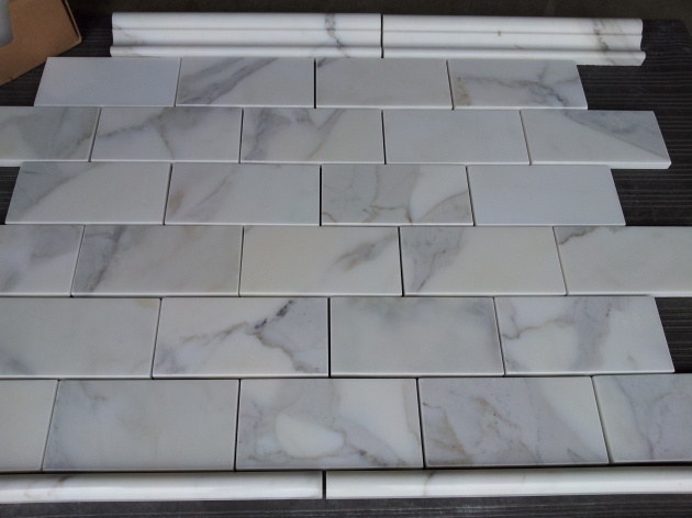 calacatta gold subway tile backsplash - photo #4