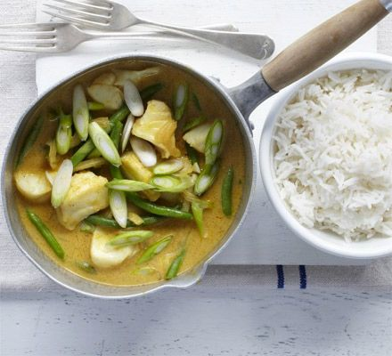 Whip up a curry-in-a-hurry with this Goan-style mild dish with korma paste, coconut, green beans and sustainable white fish