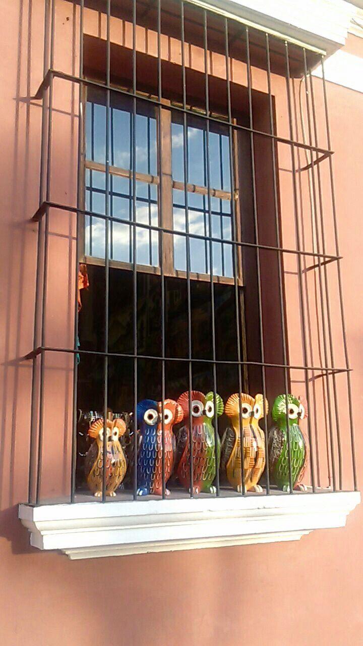 Tecolotes de ceramica en la Antigua Guatemala #artesanias   suchitoto.tours@gmail.com