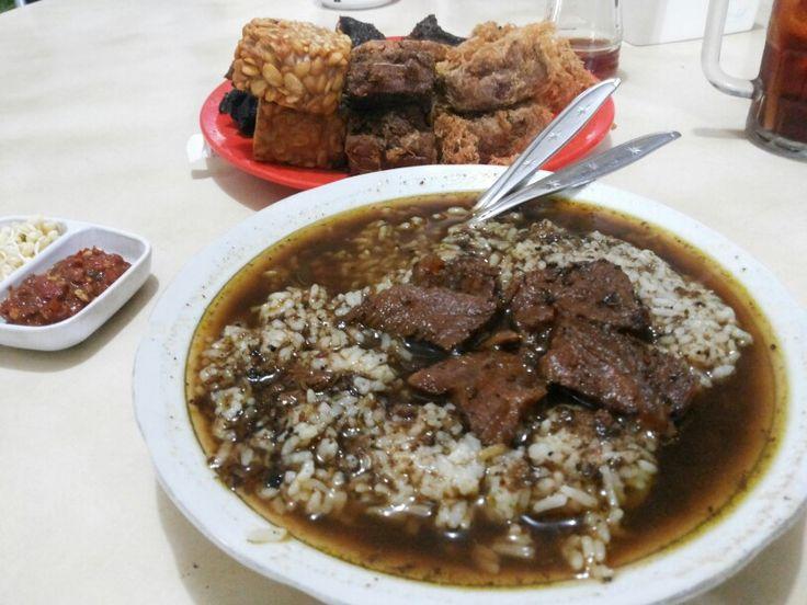 Kuliner Malang tempat makan enak Rawon Nguling Malang http://maswahyudidik.com/tempat-makan-enak-malang-kuliner-rawon-nguling/ #indonesia #malang #wisata