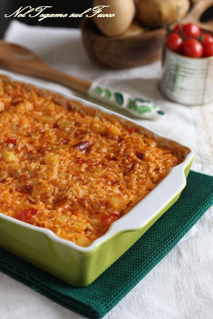 Ricetta del riso al forno con patate con un cuore filante <3  #ricetta #riso #patate