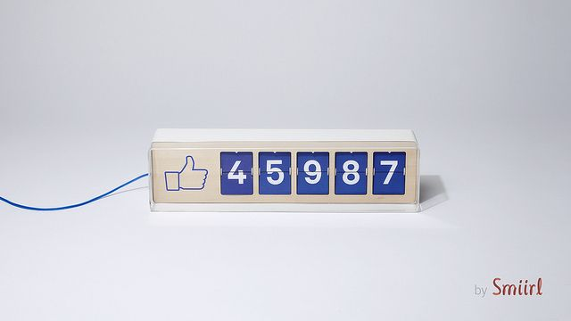 Smiirl - french start-up  Fliike enables you to display how many Facebook fans you have... live !