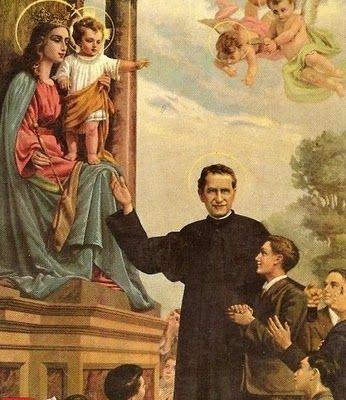 24 DE MAYO DIA DE MARIA AUXILIADORA. En la imagen esta presente San Juan Bosco frente a la estatua de Maria Auxiliadora