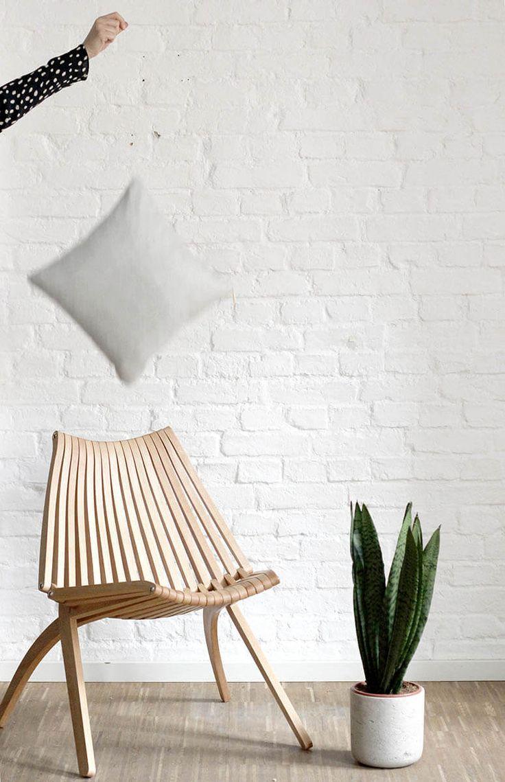 Stillleben Holzstuhl von Politura ein Designmoebel