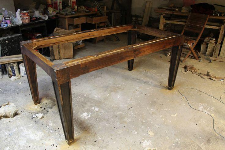Wooden solid table at work www.drewnoikamien.pl